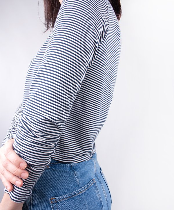 Blusa Cropped Visco Air Azul Listrada
