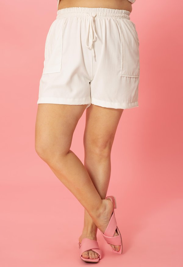 Foto do produto SHORT VISCOSE GABI OFF-WHITE