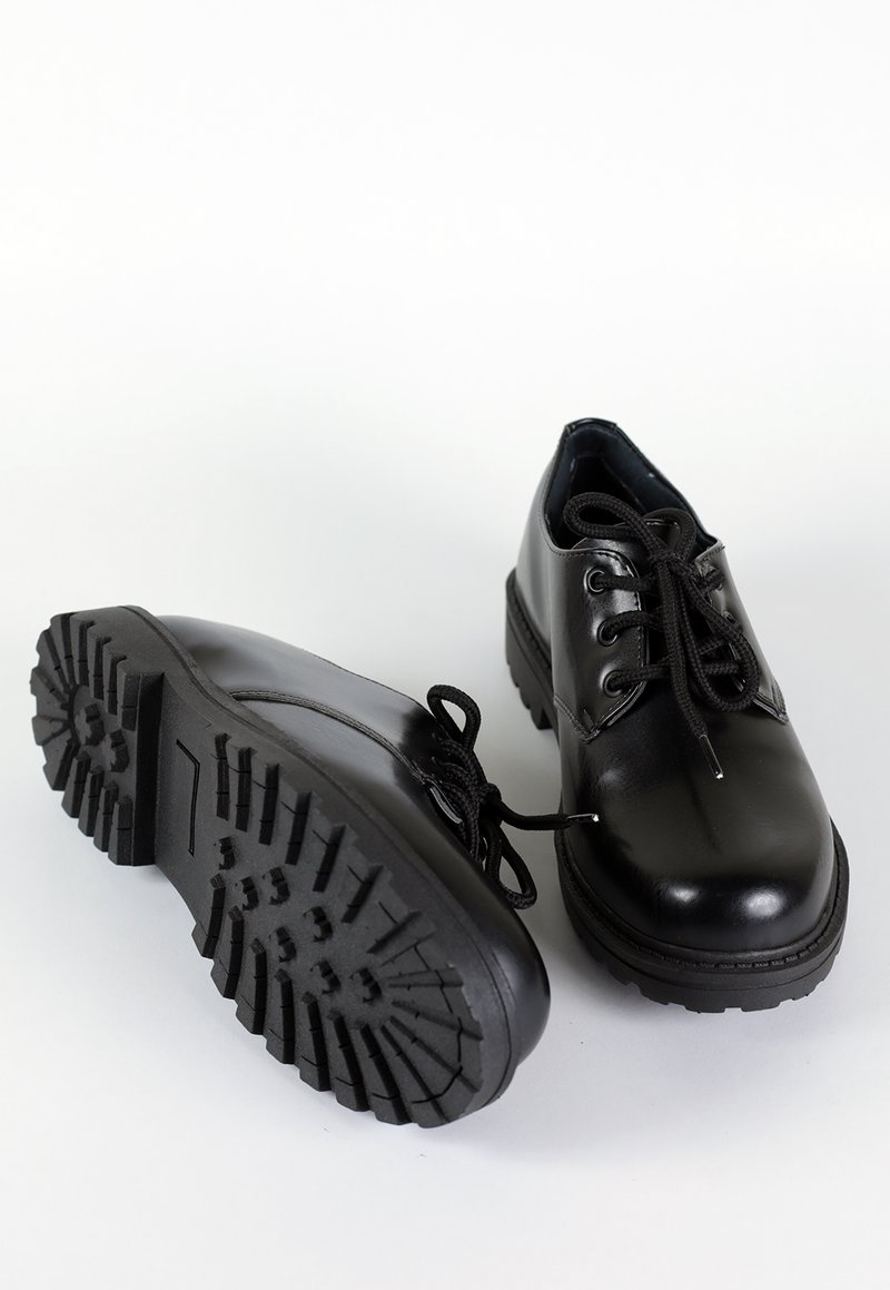 DROVER LOW - All Black (vegan)