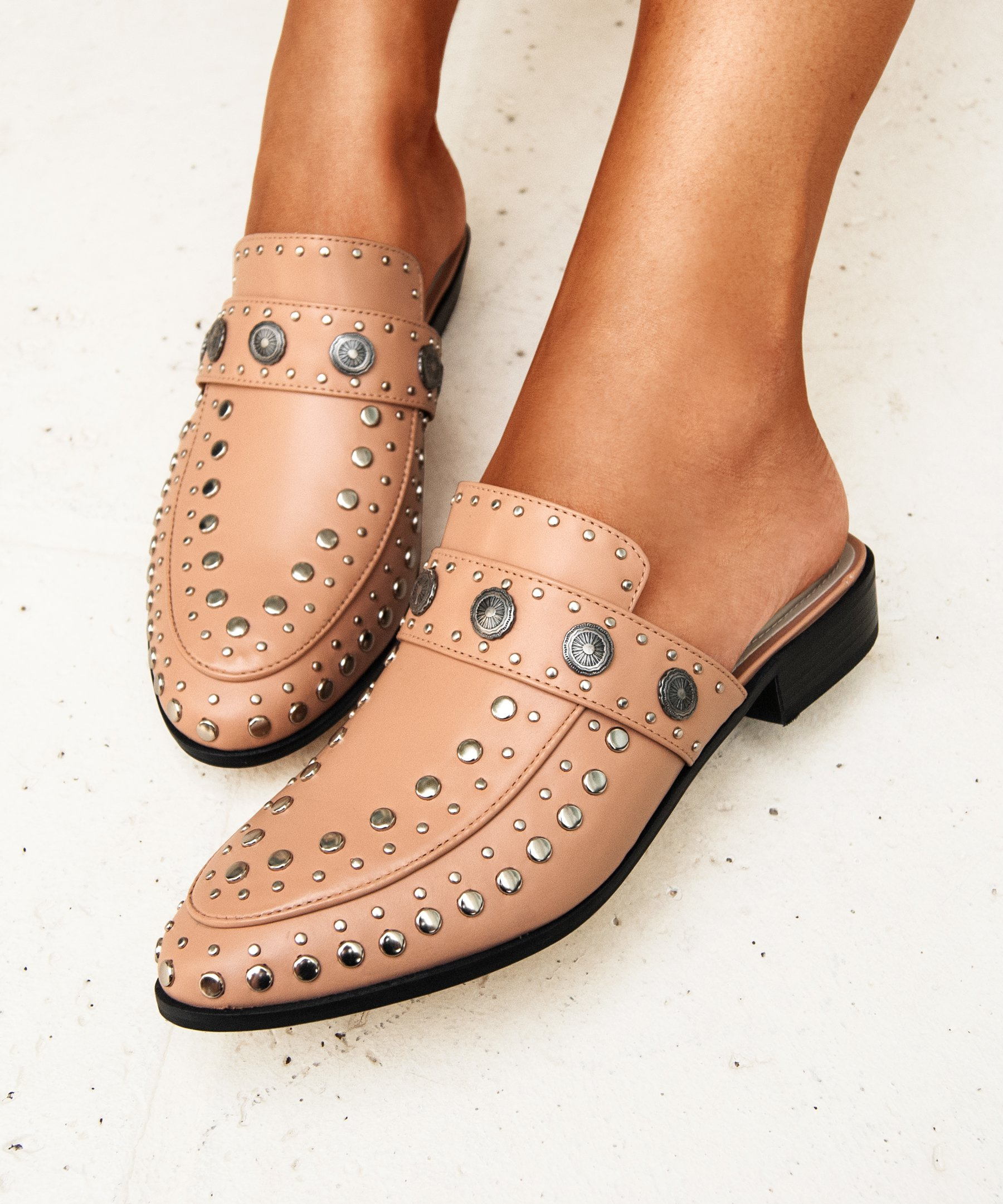 Mule Beta Studded Blush